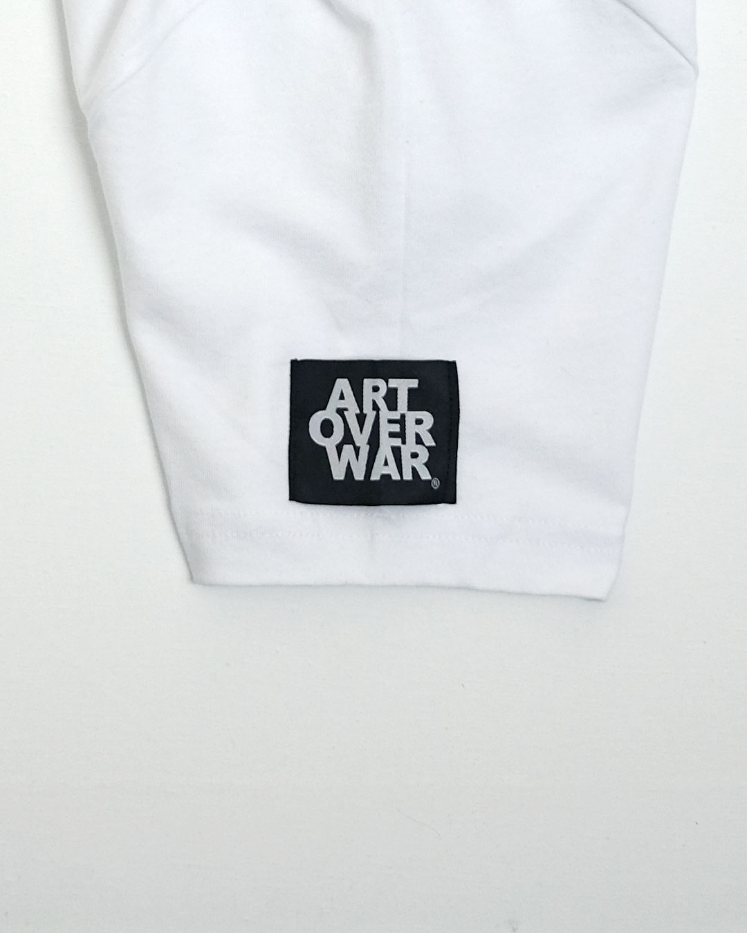 WHITE-L-SLEEVE-URBANE-MUSE-CHRIS-SMITH-ART-OVER-WAR-T-Shirts
