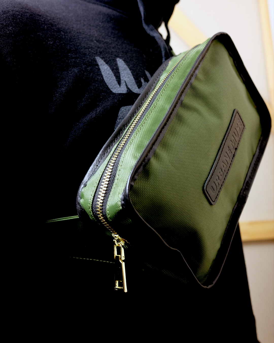 photo-1d-Modeling-Belt-Bag-Backpack-URBANE-MUSE-CHRIS-SMITH
