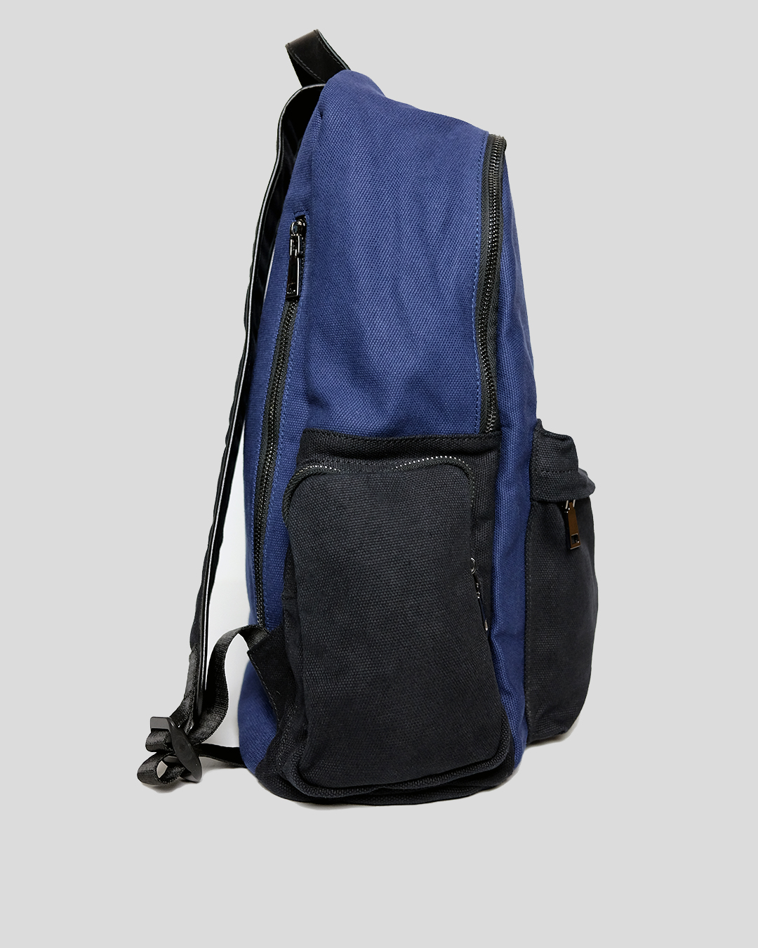 photo-2-BLUE-COTTON-BACKPACK-URBANE-MUSE-CHRIS-SMITH