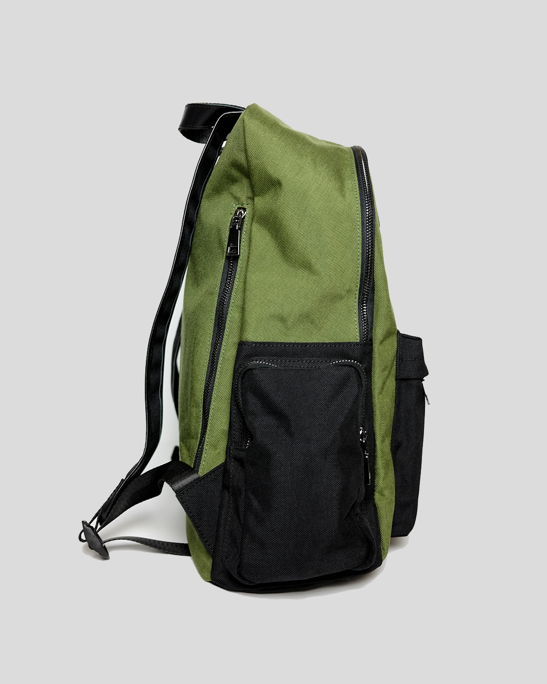 photo-2-GREEN-CORDURA-BACKPACK-URBANE-MUSE-CHRIS-SMITH