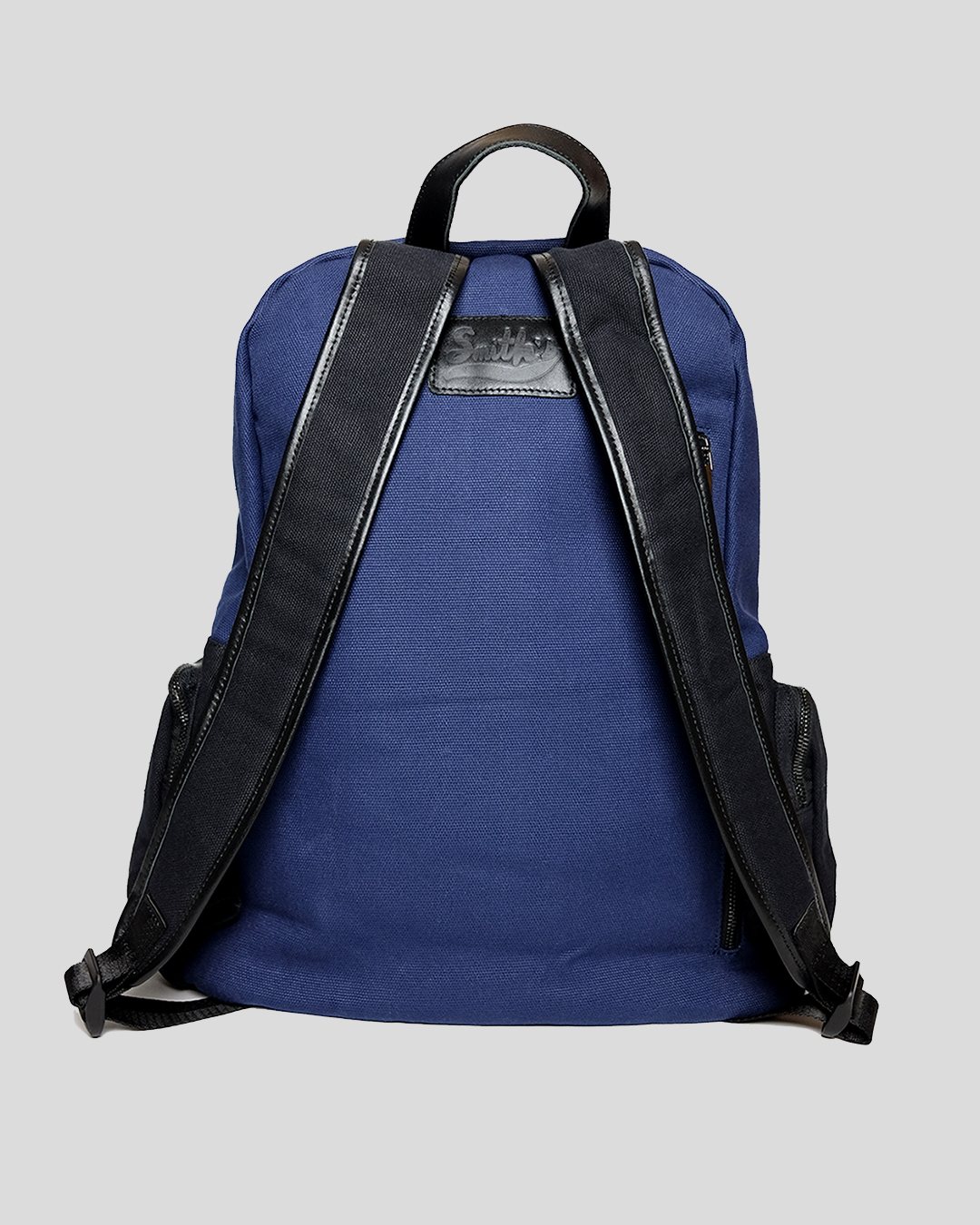 photo-3-BLUE-COTTON-BACKPACK-URBANE-MUSE-CHRIS-SMITH