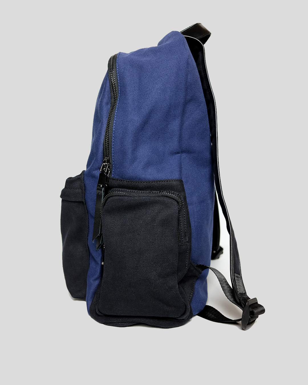 photo-4-BLUE-COTTON-BACKPACK-URBANE-MUSE-CHRIS-SMITH