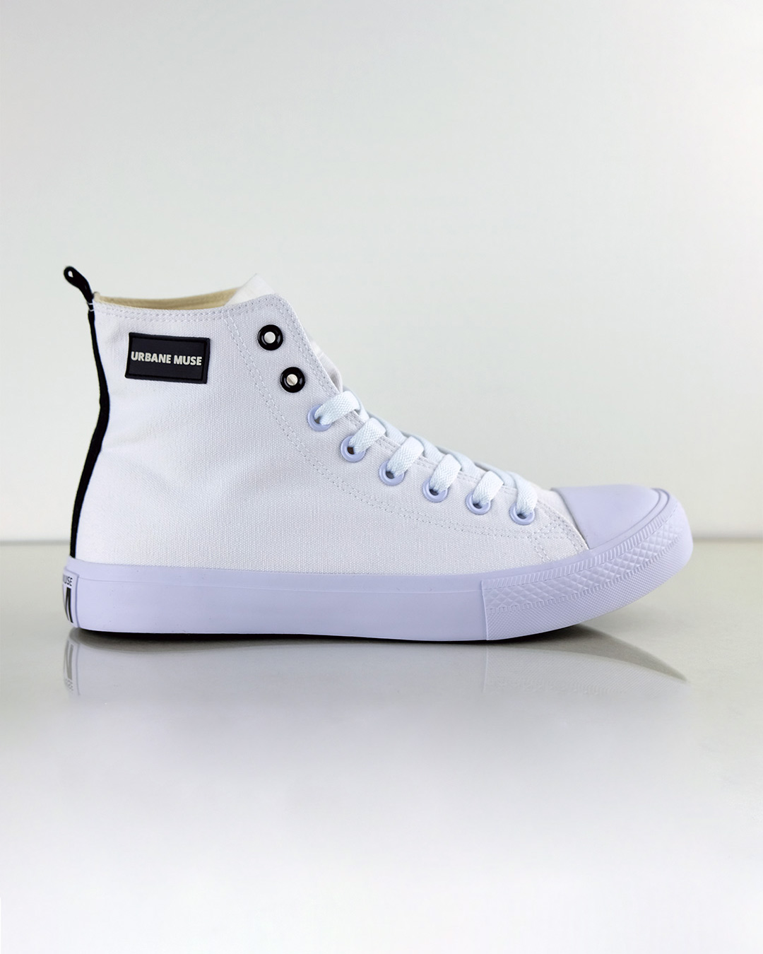 photo-1b-URBANE-MUSE-CANVAS-SNEAKER