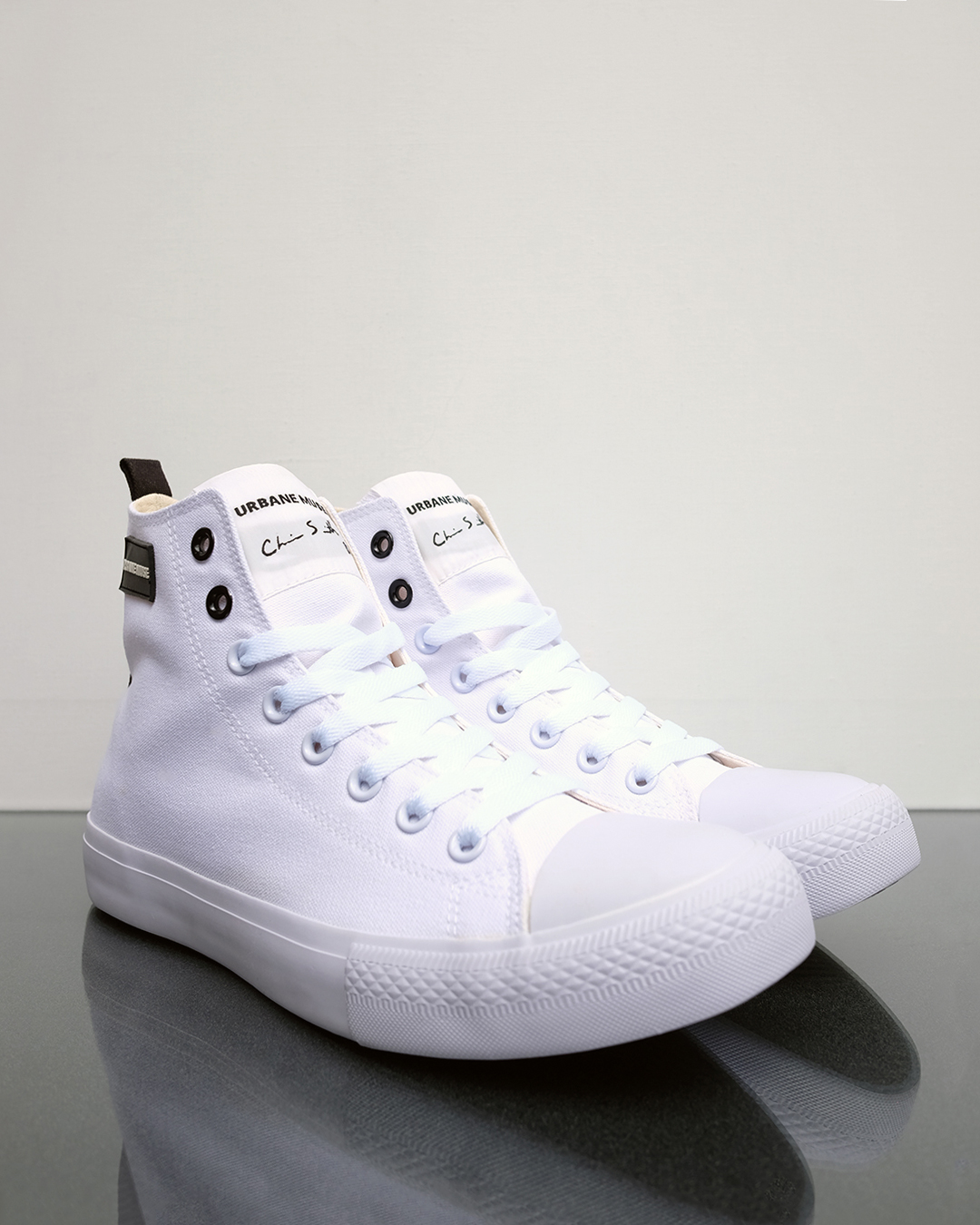 photo-2c-CANVAS-HIGH-TOP-URBANE-MUSE-CHRIS-SMITH-SNEAKERS