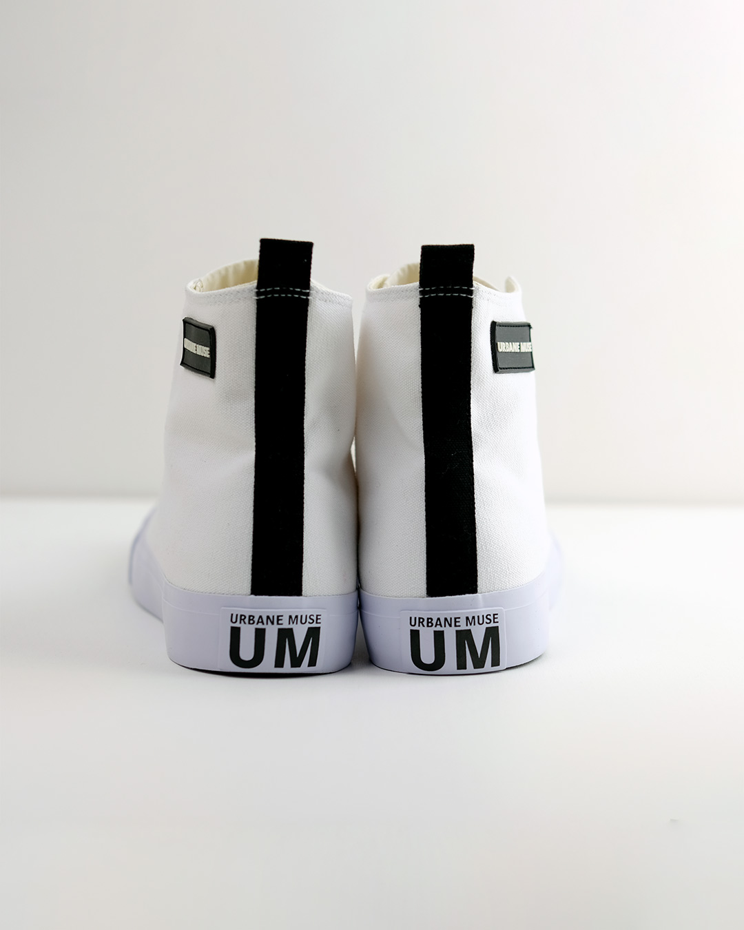 photo-3-URBANE-MUSE-CANVAS-SNEAKER