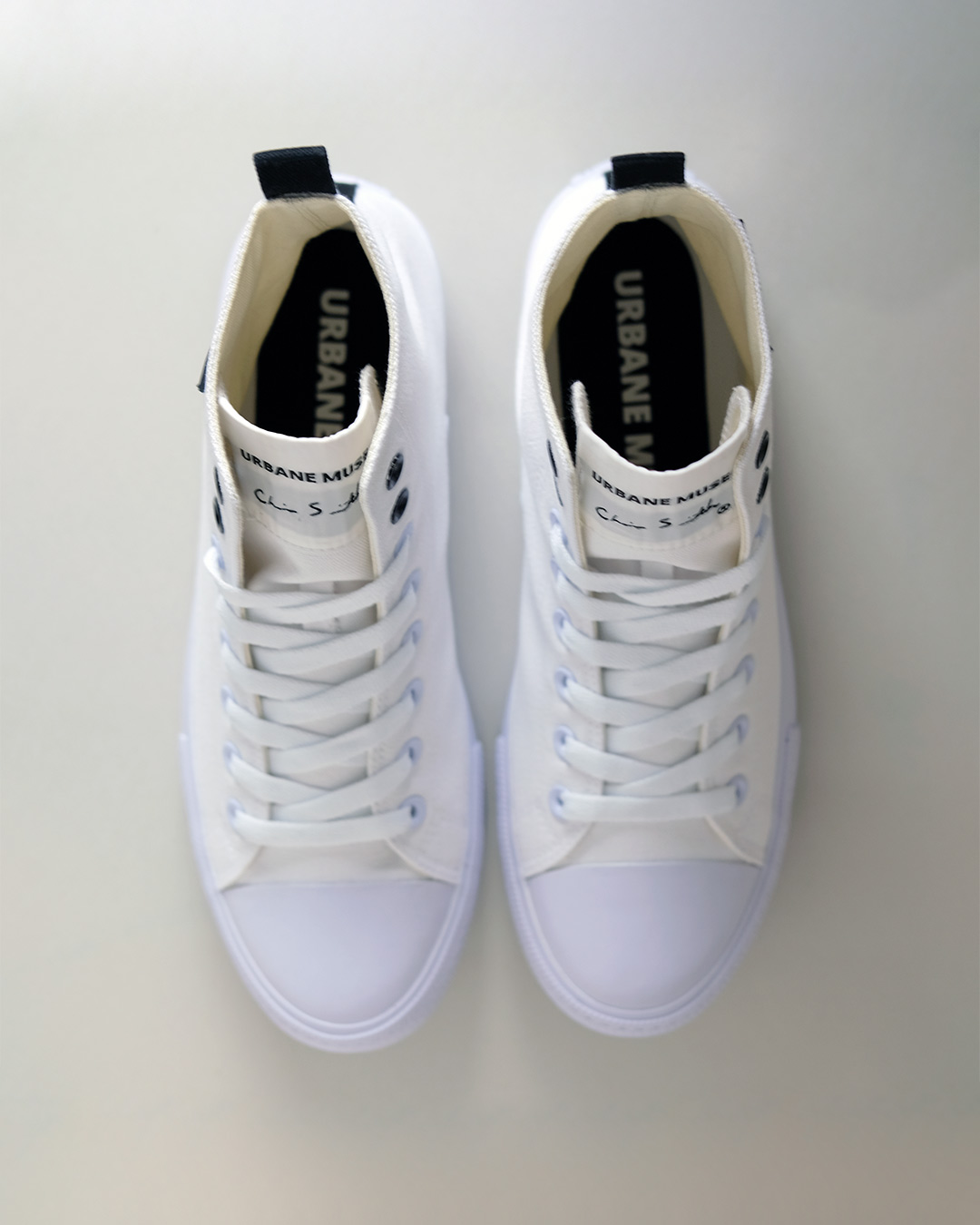 photo-4-URBANE-MUSE-CANVAS-SNEAKER