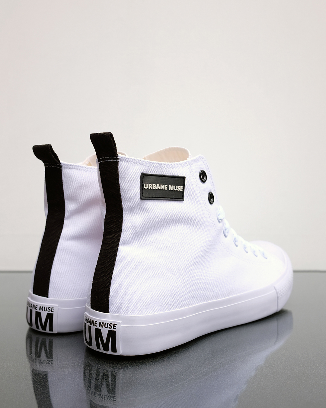 photo-4f-CANVAS-HIGH-TOP-URBANE-MUSE-CHRIS-SMITH-SNEAKERS
