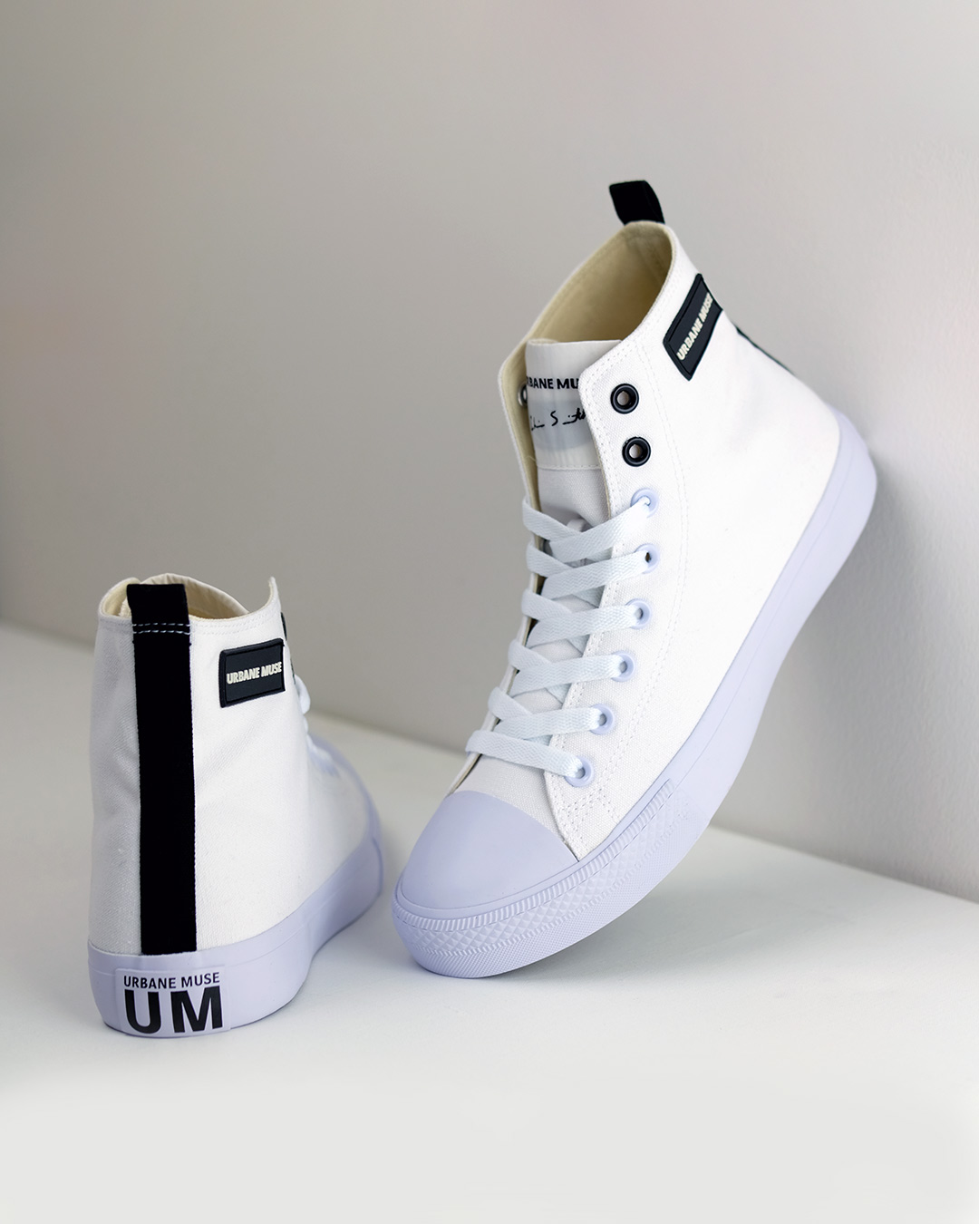 photo-6-URBANE-MUSE-CANVAS-SNEAKER
